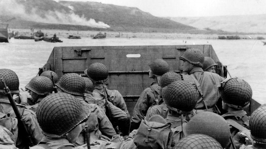 military_grayscale_world_war_ii_d_day_beach_1920.jpg